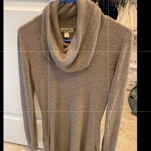 Tops - Long sweater - taupe - womens - size M - new! 😍